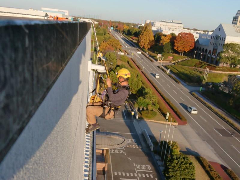 ロープ高所作業によるカメラ取付/IRATA